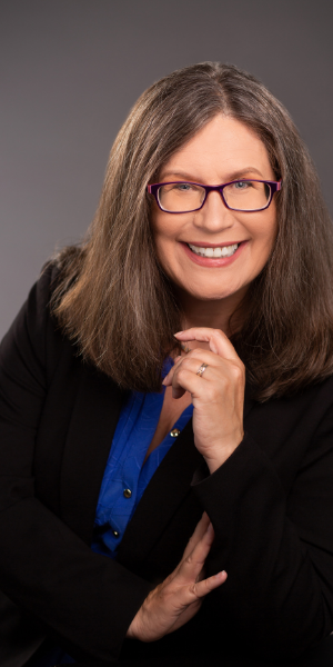 Lori Pyne, Founder of The Paralegal Club